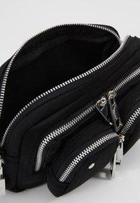 Núnoo - HELENA - Handbag - black - 4