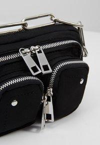Núnoo - HELENA - Handbag - black - 6