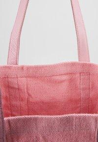 Núnoo - LARGE SHOPPER - Shopping bag - pink - 4