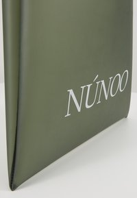 Núnoo - SMALL TOTE - Kabelka - green - 2