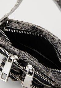 Núnoo - MOLLY - Across body bag - grey - 2