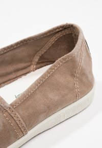 Natural World - CAMPING  - Slip-ons - beige - 6