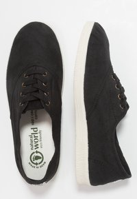 Natural World - INGLES TINTADO - Sneakersy niskie - black - 3