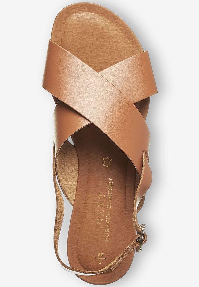 FOREVER COMFORT® CROSS FRONT SLINGBACKS - Sandals - brown