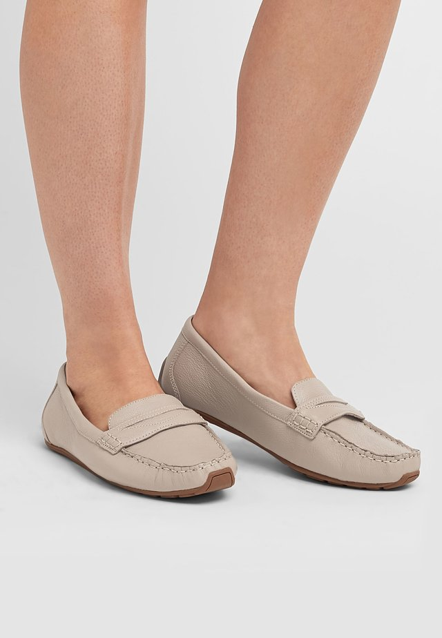 FOREVER COMFORT® DRIVER - Mokasyny - nude