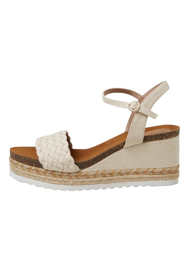 Sandały na platformie - off-white