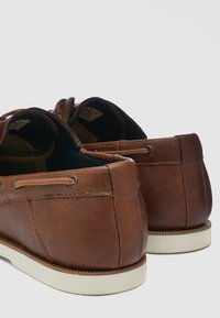 Next - Chaussures bateau - brown - 4
