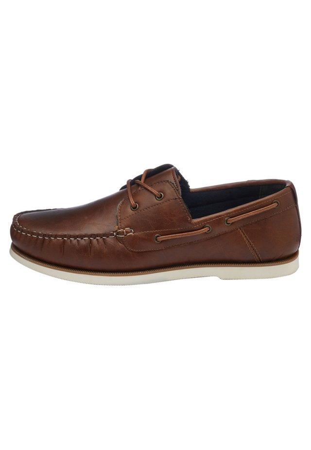 BOAT SHOE - Buty żeglarskie - brown