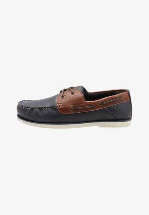 CONTRAST  - Chaussures bateau - tan