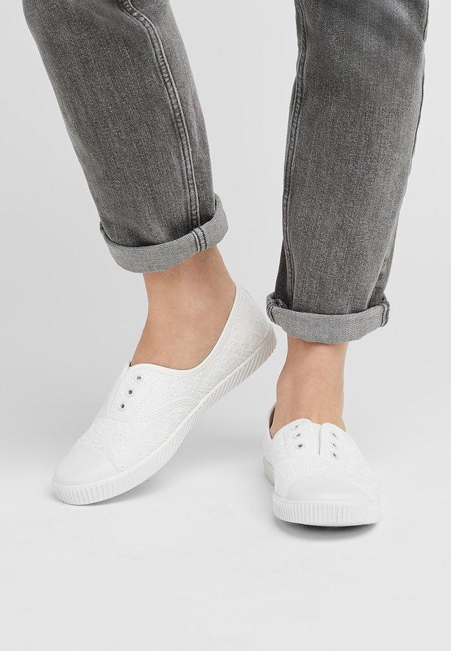 Slipper - white