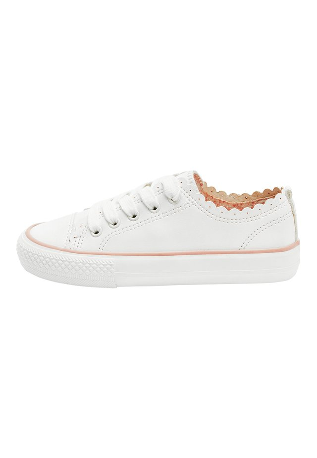 ROSE GOLD SCALLOP LACE-UP TRAINERS (OLDER) - Trainers - white