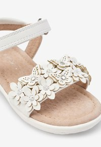 Next - PINK 3D FLOWER SANDALS (YOUNGER) - Sandali da trekking - white - 4