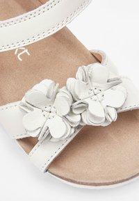 Next - PINK CORKBED FLOWER SANDALS (YOUNGER) - Walking sandals - white - 4