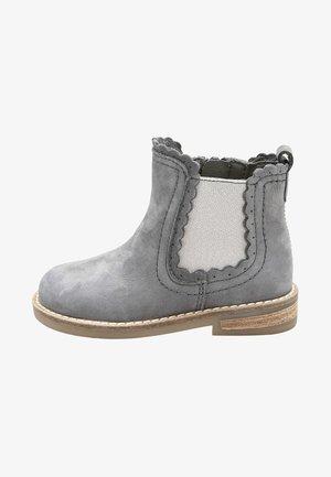 CHELSEA SCALLOP  - Korte laarzen - grey