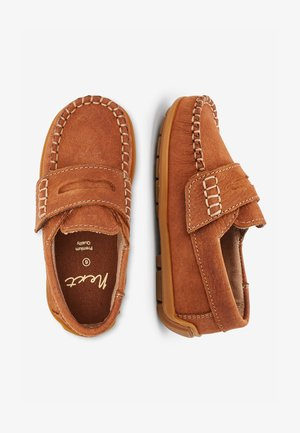NAVY NUBUCK PENNY LOAFERS (YOUNGER) - Mocassins - brown