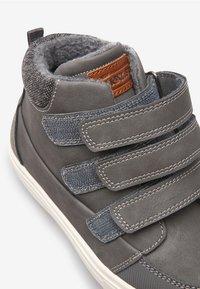 Next - TRIPLE STRAP - Skate shoes - gray - 3
