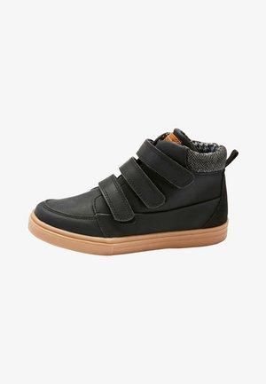 TRIPLE STRAP - Skate shoes - black