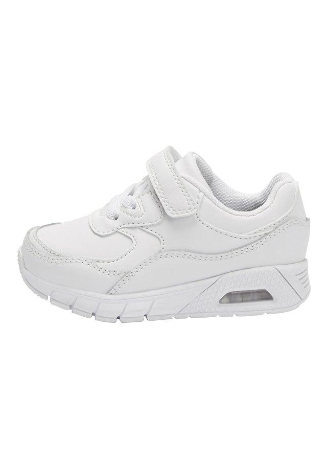 Sneakers - white