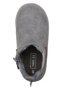 Next - CHELSEA BOOTS - Korte laarzen - grey - 2