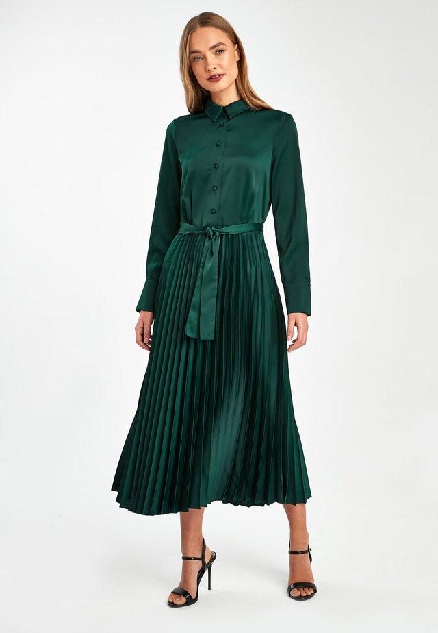 FOREST GREEN EMMA WILLIS SHIRT DRESS - Vestido camisero - green