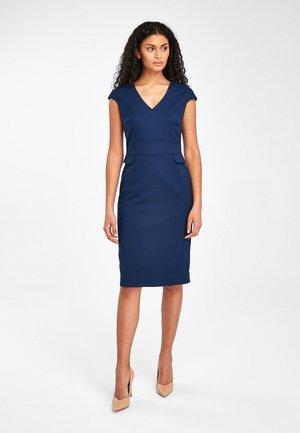 PLUM TAILORED SHORT SLEEVE V-NECK DRESS - Shift dress - blue