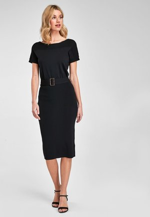 BLACK BELTED BOAT NECK DRESS - Shift dress - black
