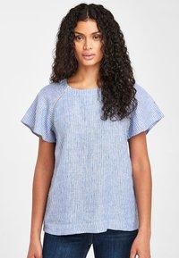 Next - BLUE/WHITE STRIPE SHORT SLEEVE LINEN TOP - Bluse - blue - 0