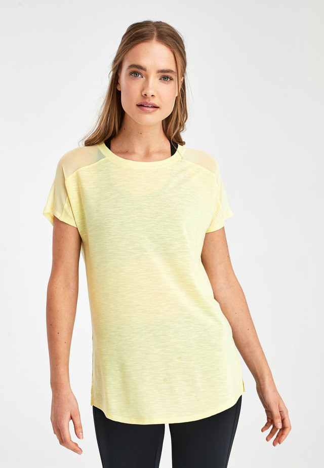 BLUE SHORT SLEEVE MESH PANEL T-SHIRT - Print T-shirt - yellow