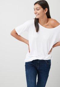 Next - Basic T-shirt - white - 1