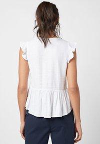 Next - WHITE LINEN BLEND RUFFLE SLEEVE BUTTON THROUGH TOP - Bluse - white - 1