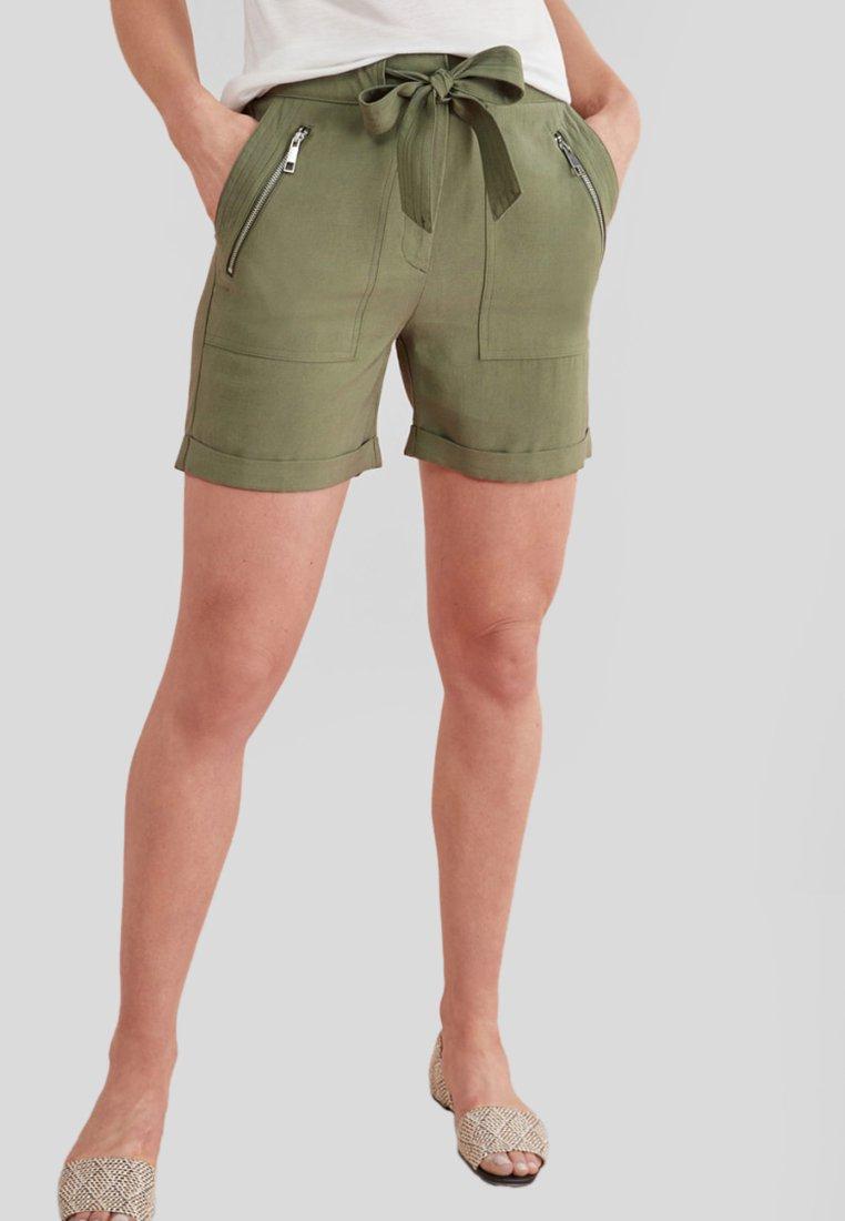 Next - Shorts - green
