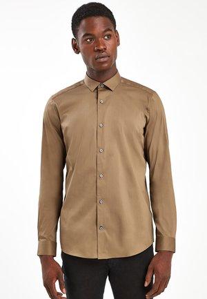 STRETCH POPLIN SHIRT - Shirt - brown