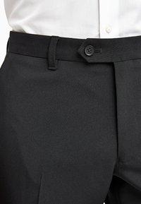 Next - BLACK TWO PACK TROUSERS - Pantaloni - black - 2