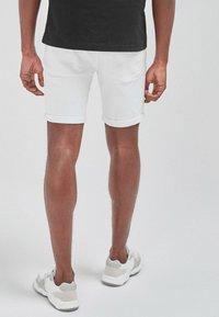 Next - Shorts di jeans - white - 1