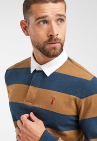 Next - TAN/NAVY STRIPE RUGBY SHIRT - Polo - brown - 2