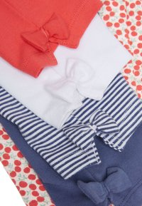 Next - CHERRY ALL OVER PRINT 5 PACK BOW CROPPED LEGGINGS (3MTHS-7YRS) - Leggings - Trousers - red - 7