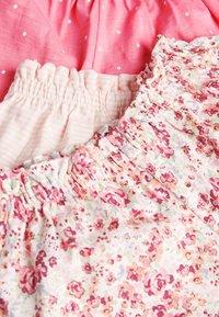 Next - PINK 5 PACK SHORTS (3MTHS-7YRS) - Shorts - pink - 7