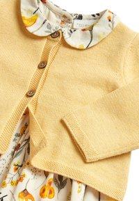 Next - OCHRE PROM DRESS AND CARDIGAN SET (0MTHS-2YRS) - Vest - yellow - 3