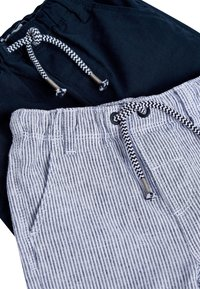 Next - STRIPE/PLAIN 2 PACK LINEN BLEND TROUSERS (3MTHS-7YRS) - Pantalon de survêtement - blue - 4