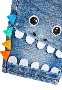 Next - DENIM MID BLUE CHARACTER PULL ON JERSEY SHORTS (3MTHS-7YRS) - Denim shorts - blue - 2