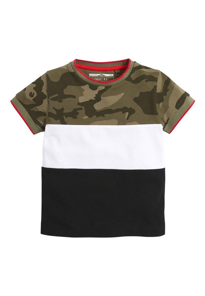 Next - BLACK/GREEN CAMO COLOURBLOCK PIQUE T-SHIRT (3MTHS-7YRS) - T-shirt imprimé - green