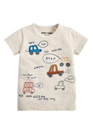OATMEAL SHORT SLEEVE CAR APPLIQUé T-SHIRT (3MTHS-7YRS) - Print T-shirt - beige