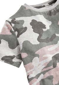Next - GREY CAMOUFLAGE T-SHIRT (3-16YRS) - Printtipaita - grey - 2
