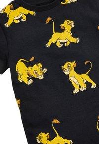 Next - BLACK LION KING ALL OVER PRINT T-SHIRT (3MTHS-8YRS) - Print T-shirt - black - 2