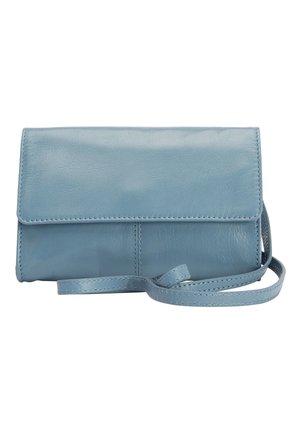 TAN LEATHER ACROSS-BODY BAG - Umhängetasche - blue
