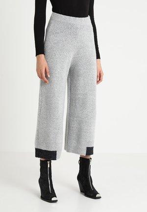 OSLO PANT - Pantalones - grey