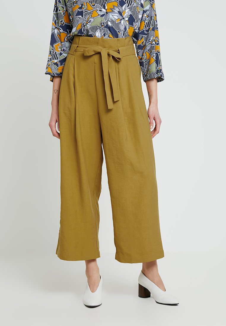 Native Youth - THE ROSIE PANT - Stoffhose - mustard