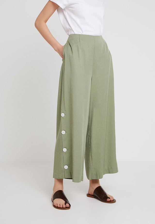 THE SERENA PANT - Tygbyxor - mint