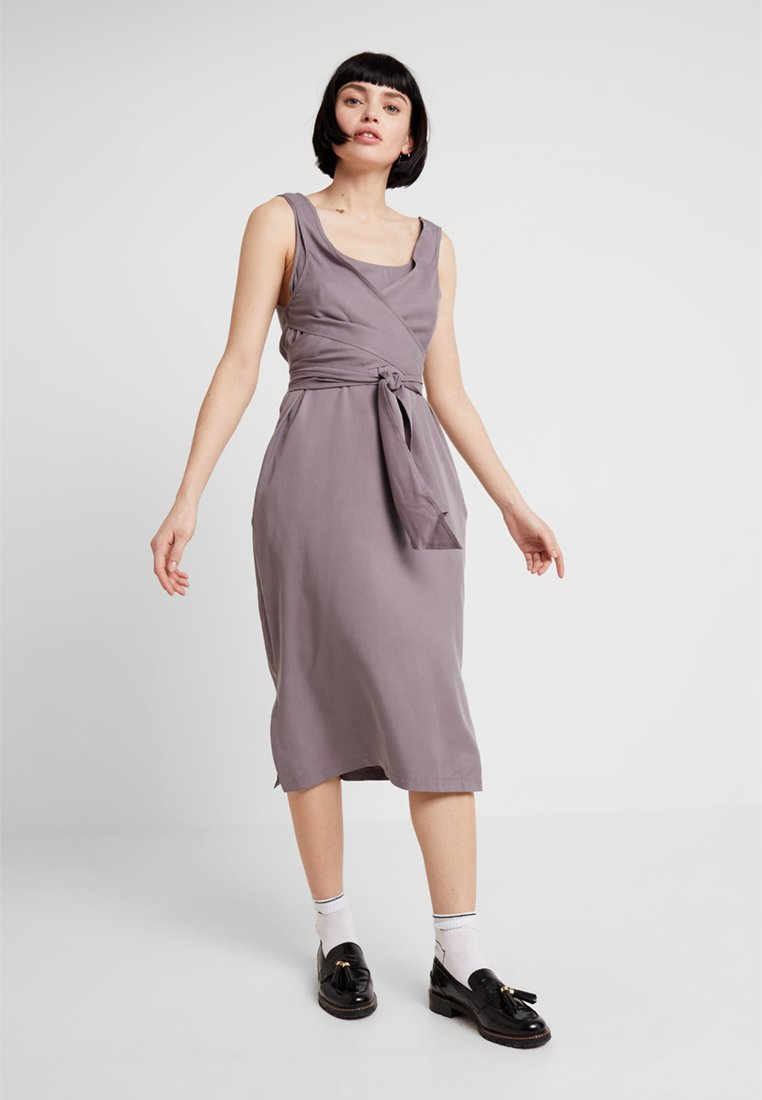 Native Youth - THE MAE DRESS - Day dress - grey