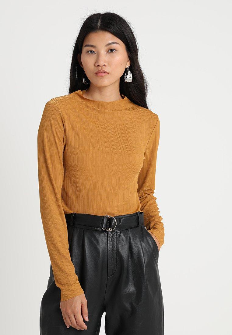 Native Youth - STUDIO CROP - Long sleeved top - mustard